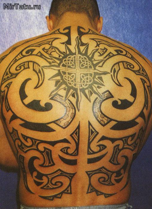 Теги татуировка на спине татуировки