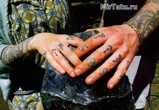 Фото татуировок - Татуировки на пальцах и кистях рук 2